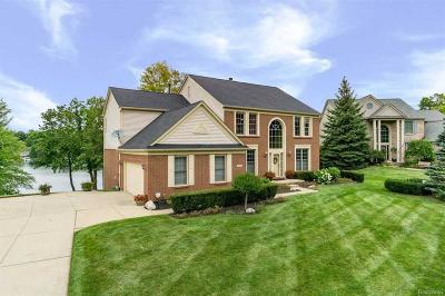 Lake Orion Single Family Home For Sale: 429 Franklin Wright Blvd