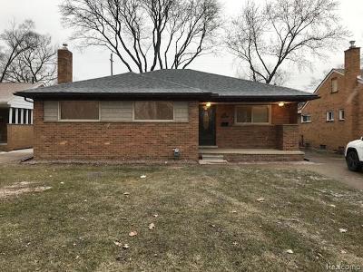 Oak Park Single Family Home For Sale: 12820 Dartmouth St