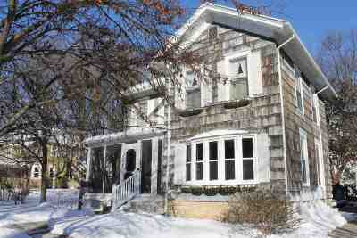 Single Family Home For Sale: 208 Franklin St