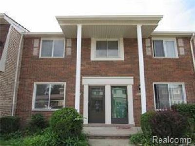 Condo/Townhouse For Sale: 38167 Jamestown Dr