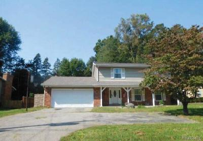 Single Family Home For Sale: 424 S Moorland Dr