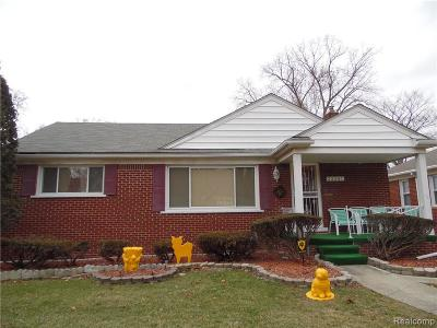 Oak Park Single Family Home For Sale: 23201 Geneva St N