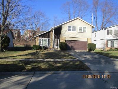 Novi Single Family Home For Sale: 42536 Cherry Hill Rd