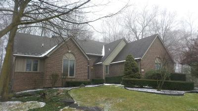 Plymouth Single Family Home For Sale: 10778 Harvest Crt
