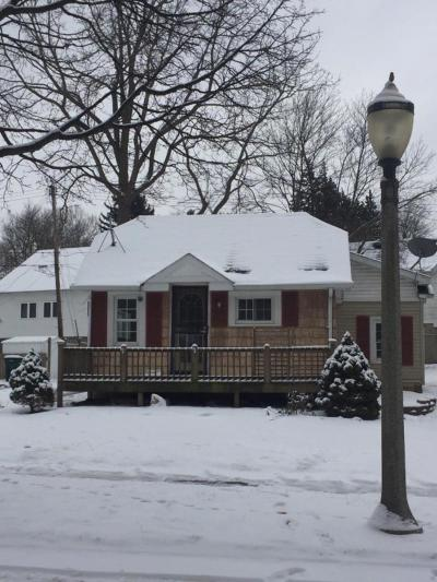 Lansing Single Family Home For Sale: 534 Irvington Ave