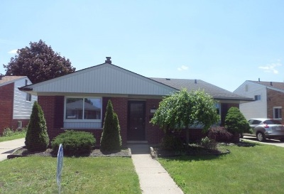 Single Family Home For Sale: 8320 Anna Ave