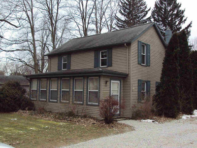 Jonesville Single Family Home Contingent - Financing: 443 Wright St
