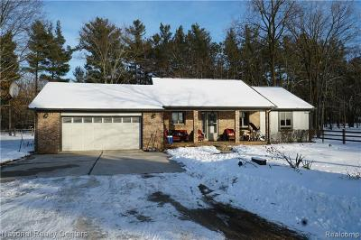 Wixom Single Family Home For Sale: 3015 W Maple Rd