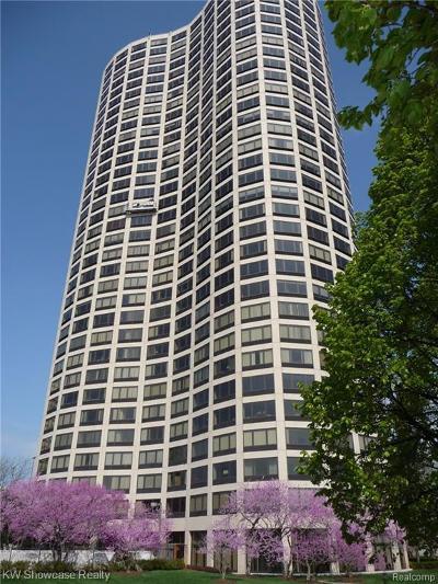 Southfield Condo/Townhouse For Sale: 5000 Town Center Penthouse 4 Units Bulk Sale