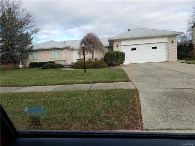 Livonia Single Family Home For Sale: 35428 Northgate Dr