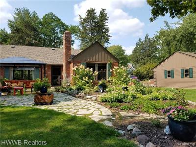 Northville Single Family Home For Sale: 43540 Six Mile Rd