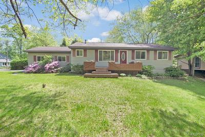 Milford Single Family Home For Sale: 2801 W Commerce Rd