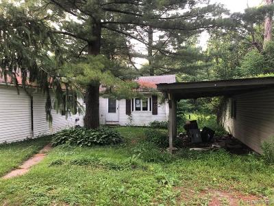 Single Family Home For Sale: 7170 Ravenswood