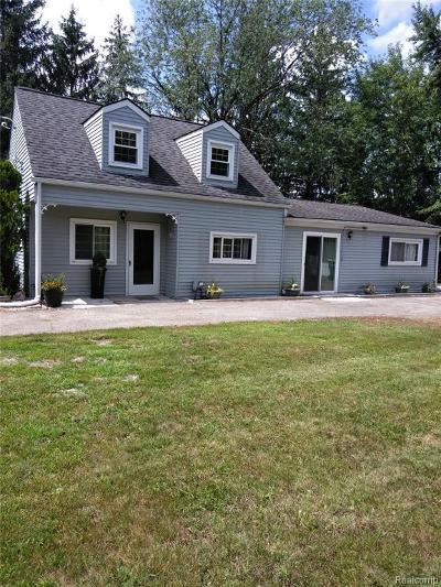 Farmington Hill Single Family Home For Sale: 33800 Annland St