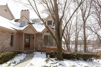 Northville Condo/Townhouse For Sale: 47629 Blue Heron Crt