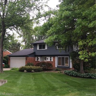 West Bloomfield Single Family Home For Sale: 4316 Macqueen Dr