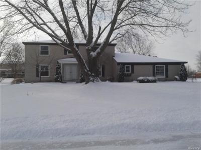 Single Family Home For Sale: 4833 Faircourt Dr