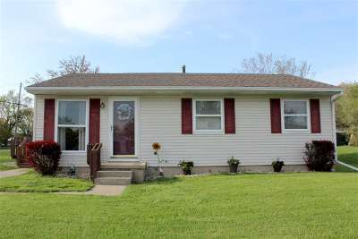 Lenawee County Single Family Home For Sale: 1209 W Pottawatamie