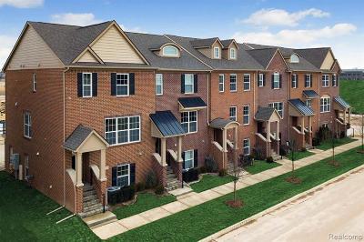 Northville Condo/Townhouse For Sale: 47705 Hillcrest Dr