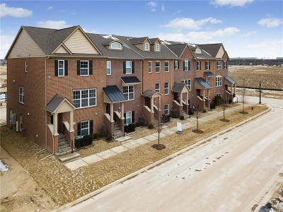 Northville Condo/Townhouse For Sale: 47753 Hillcrest Dr