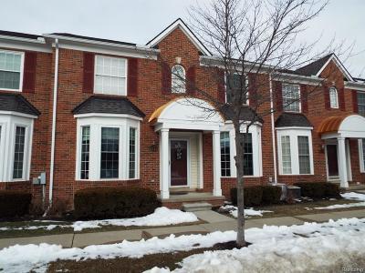 Novi Condo/Townhouse For Sale: 41740 Brownstone Dr