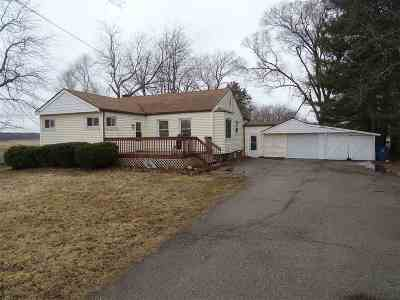 Lenawee County Single Family Home For Sale: 1612 Moore Rd