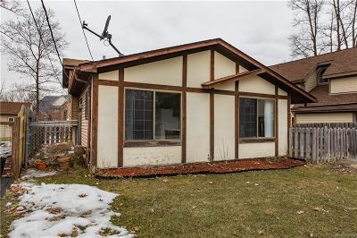 Single Family Home For Sale: 1332 Moccasin Trl