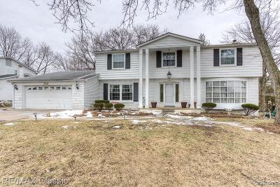 West Bloomfield Single Family Home For Sale: 5583 Pembury