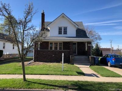 Plymouth Single Family Home For Sale: 375 W Liberty St