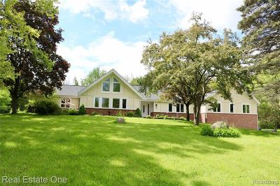 Milford Single Family Home For Sale: 2525 General Motors Rd
