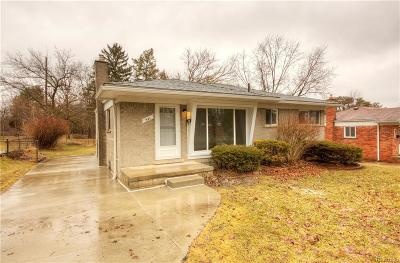 Milford Single Family Home For Sale: 641 Duchess St