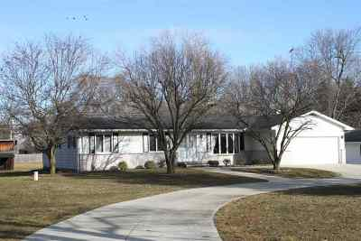 Lenawee County Single Family Home For Sale: 9890 Macon Hwy.