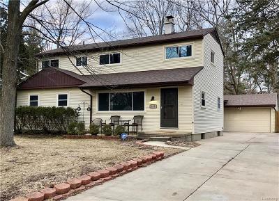 Ann Arbor Single Family Home For Sale: 275 Highlake Ave