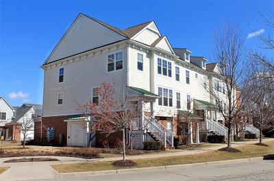 Plymouth Condo/Townhouse For Sale: 328 Red Ryder Dr