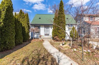 Oak Park Single Family Home For Sale: 14020 Ludlow St