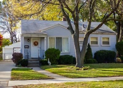 Oak Park Single Family Home For Sale: 23255 Ithaca St