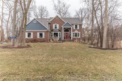 Milford Single Family Home For Sale: 979 Deep Valley Dr