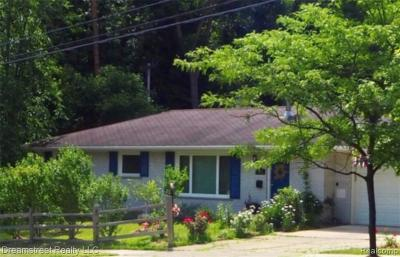 Ann Arbor Single Family Home For Sale: 1881 W Liberty St