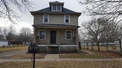 Single Family Home For Sale: 1424 Oak