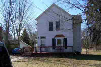 Jackson County Single Family Home For Sale: 317 Marshall St