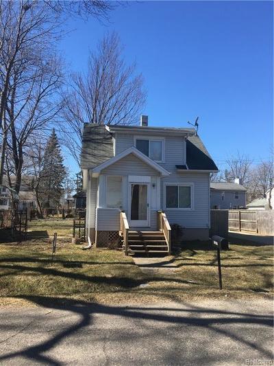 Farmington Hill Single Family Home For Sale: 21017 Oxford Ave
