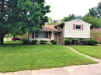 Plymouth Single Family Home For Sale: 14490 Shadywood Crt