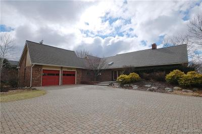 Plymouth Single Family Home For Sale: 13000 Pebble Creek Dr