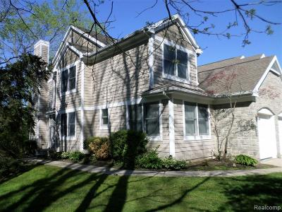 Washtenaw County Condo/Townhouse For Sale: 2452 Mulberry Crt