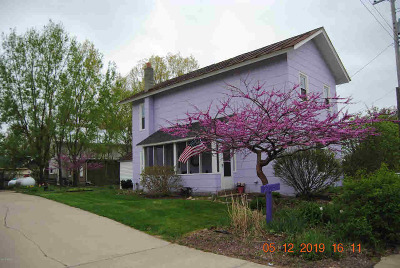 Hillsdale Single Family Home Contingent - Financing: 2713 Lilac Rd