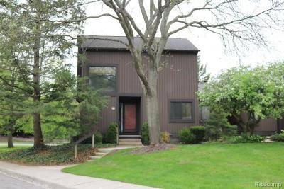 Ann Arbor Condo/Townhouse For Sale: 18 Northwick Crt