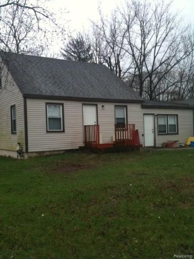 Southfield Single Family Home For Sale: 20954 Mapleridge Ave