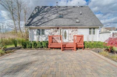 Wixom Single Family Home For Sale: 3066 Partridge Dr