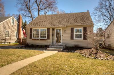 Plymouth Single Family Home For Sale: 678 Adams St