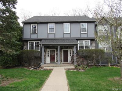 Washtenaw County Condo/Townhouse For Sale: 240 Lyn Anne Crt